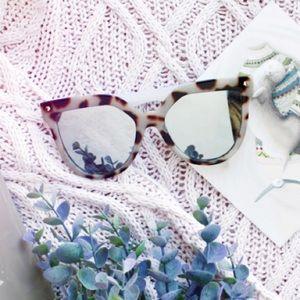 Accessories - 🆕 SONYA Mirror Sunglasses